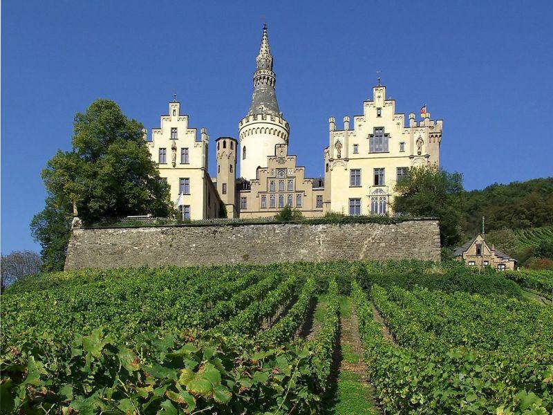 Schloss Arenfels south